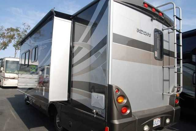 2010 Used Fleetwood ICON Class C in California CA.Recreational Vehicle, rv, The contact for this RV is JEFF POGUE or KEVIN FOSSUM and can be reached at 888-339-9166 or email. 2010 Fleetwood Icon 24S. At the heart of Icon lies a Dodge® Sprinter chassis, developed and built by Mercedes-Benz®. The exterior design carries bold, edgy lines to create a cohesive look with an automotive feel. Why buy ICON? *Fuel Efficiency *Extraordinary Driving Experience *Contemporary Interior Styling *Bold…