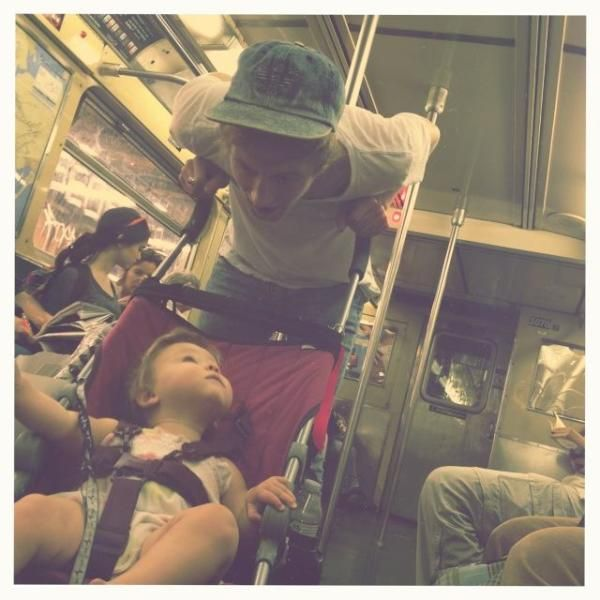 Im sorry this is so adorable! niall and baby lux >>>> Tom, people. that is Tom