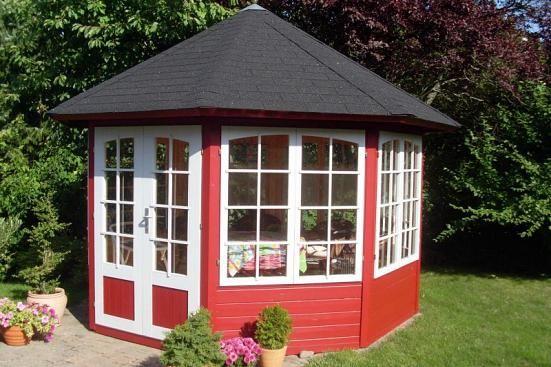 Kundenbild: Gartenpavillon Modell Emma-40 mit vier Fenstern