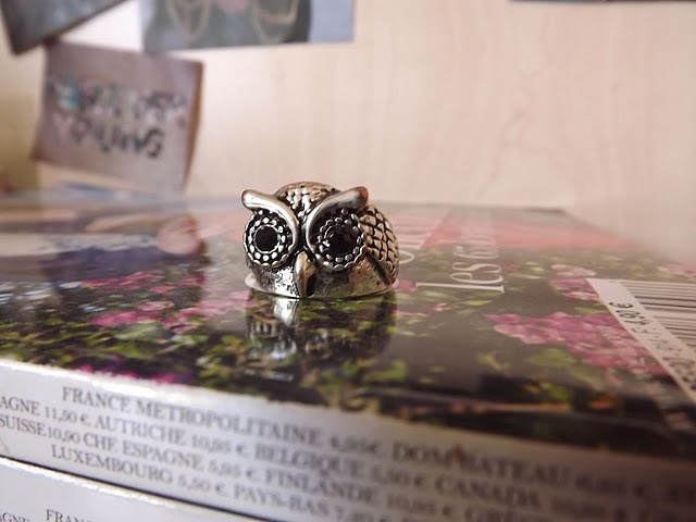 owl ring, moodboard and a pile of Vogues