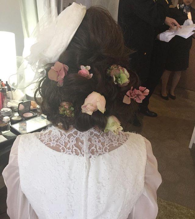ホテル阪神のブライダルヘアメイク出張でした❤️ トーク帽❌生花です #ホテル阪神 #ブーケ #CityWeddingUMEDA #ブライダルヘアメイク #ブライダルヘアメイク出張 #ヘアアレンジ #挙式 #Wedding #結婚式 #梅田 #生花