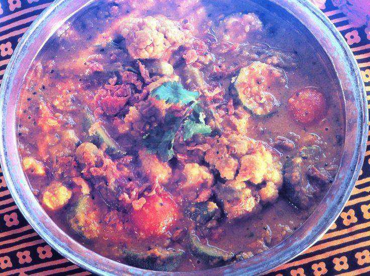 Bijgerecht - masoor dhal met groenten