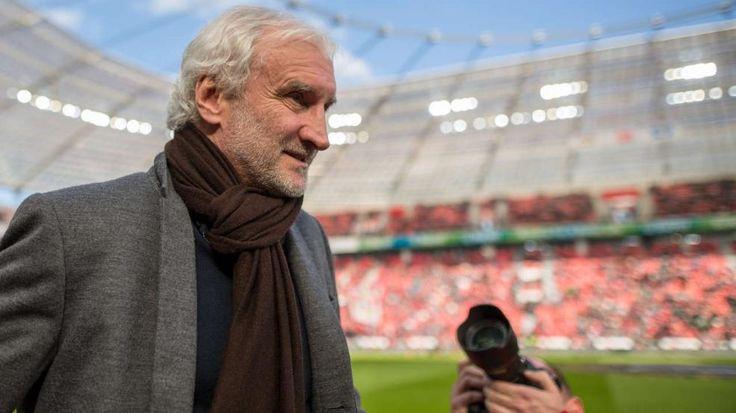 Vor Stuttgart-Spiel |Völler macht Schmidt Druck - Bundesliga Saison 2015/16 - Bild.de