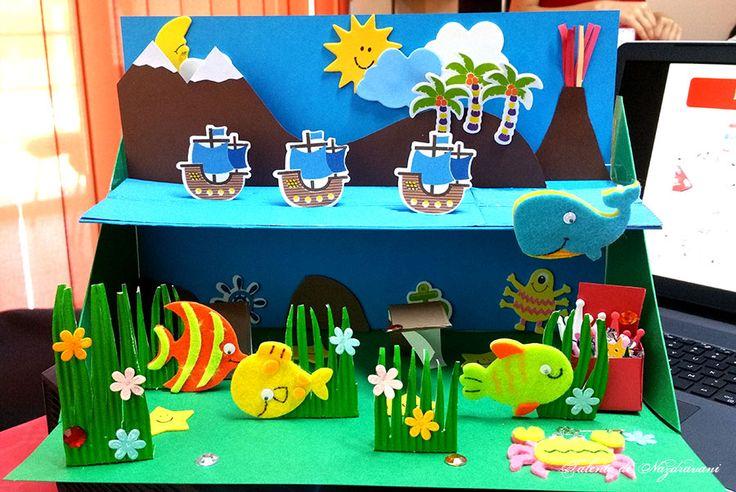 Lume marină, pe și sub apă realizată de Talente de Năzdrăvani. Produse DACOart utilizate: Luminători, Sub apă, Trimmer A4, Plăci de biguire, Bandă dublu adezivă buretată, Carton odulat, Caraibe, Florina, Marțieni, Multi-Bling și Silipici. ARTICOL BLOG: http://talentedenazdravani.eu/blog/2016/08/26/sub-apa-daco/