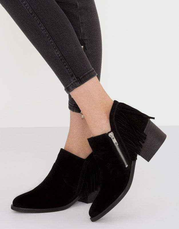 Botín piel flecos - Calzado - Novedades - Mujer - PULL&BEAR España