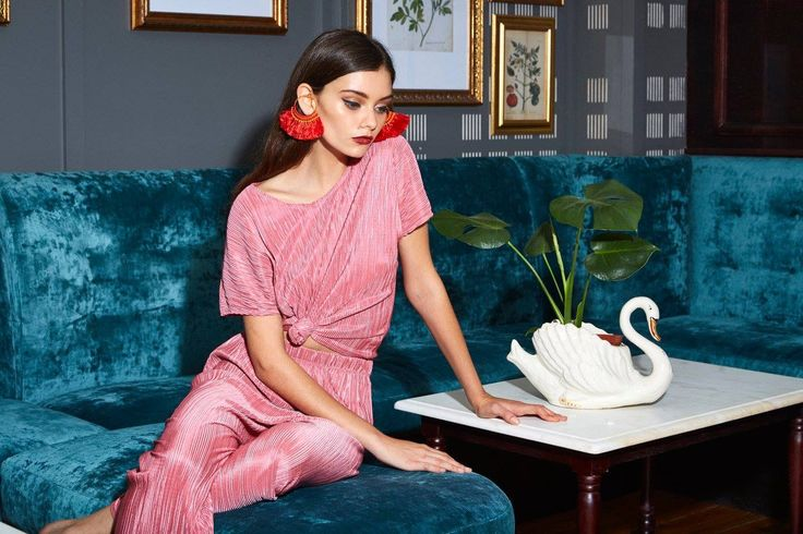 Babette Clothing SA  Look book  Pink, Vintage, culottes, Tassel, earrings, swan, velvet, fashion