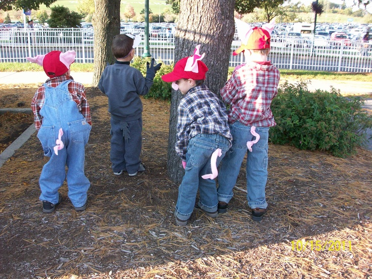 Three Little Pigs And The Big Bad Wolf Tails Halloween