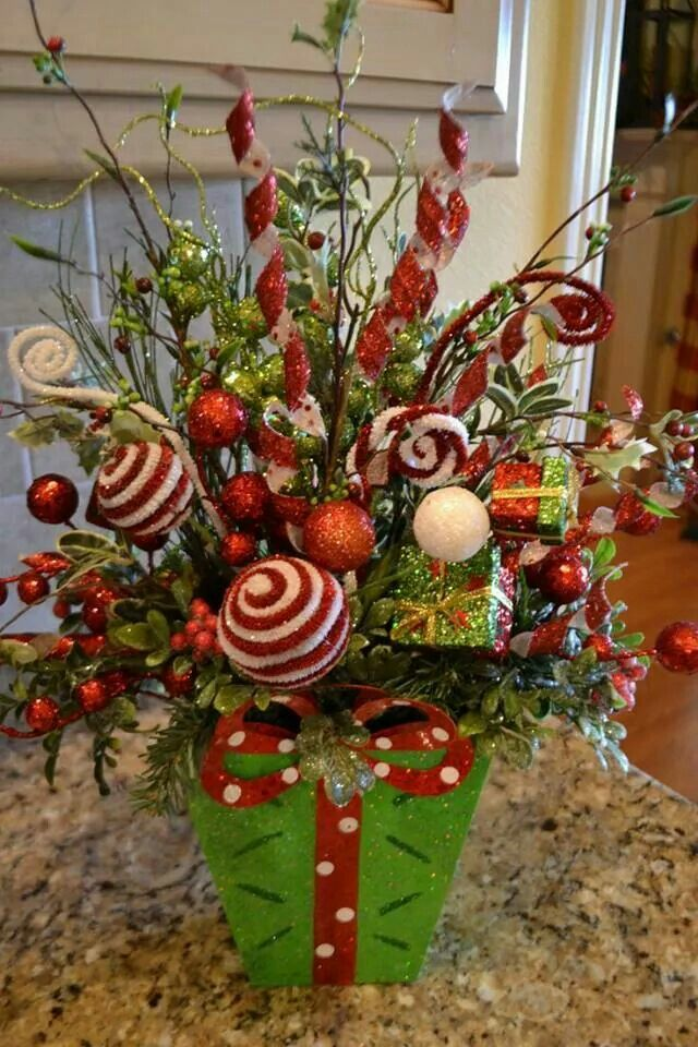 Earn cash back on your holiday centerpieces! Click to find out how! #Cashback… (Grinch Diy Ornaments)