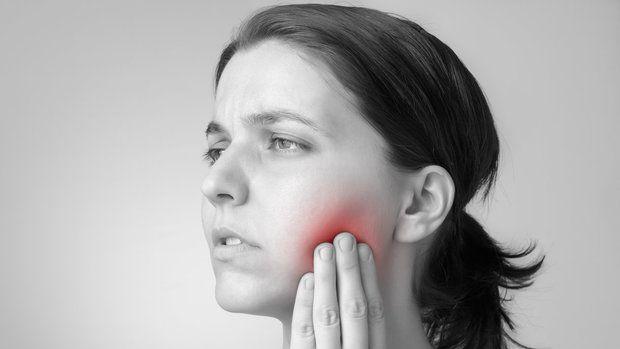 Zánět se objevuje tam, kde je tělo oslabeno. Třeba v oblasti zubů... Foto: