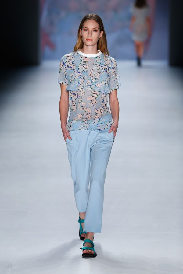 Charlotte Ronson - pastell blue look