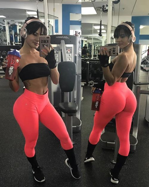 3453f051e51e5a INSTAGRAM FITNESS MODEL : KATYA ELISE HENRY - March 06 2018 at 02:18PM :