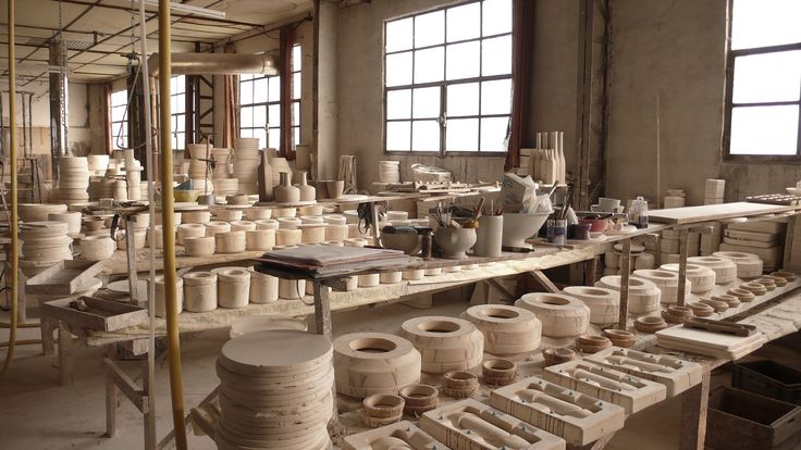 Manufacture, moulage  Virebent Porcelaine du Lot