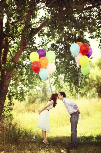 Engagement pics with balloons. Cute!!