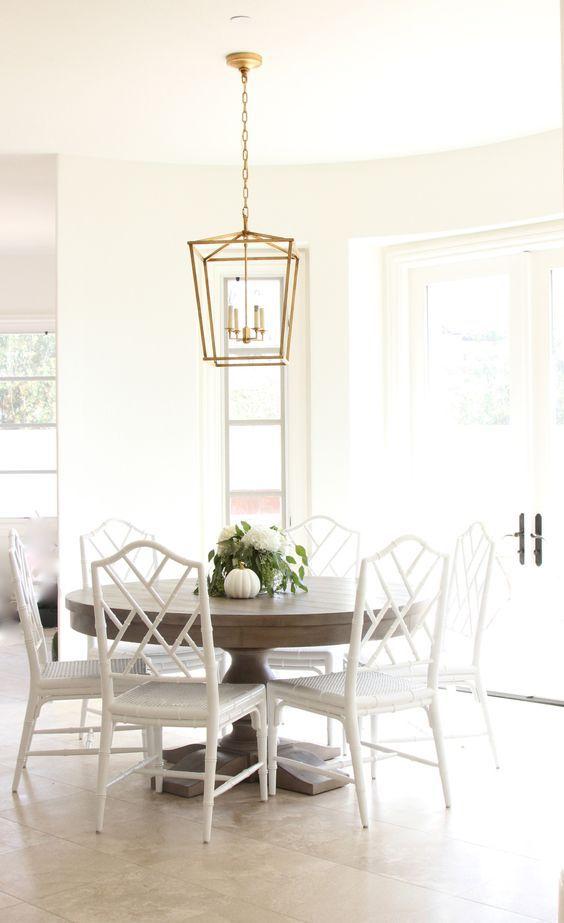 esszimmer modern leuchter erhellt den gemütlichen essbereich - esszimmer modern gemutlich
