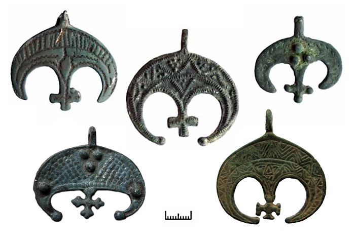 Lunnitsy Charms, origin of these are the Bird Tribe women of both Slavic, Balkan and Nordic pasts, (pre-viking), they represent woman's relationship to her soul (hence the bird and moon symbolism), beautiful