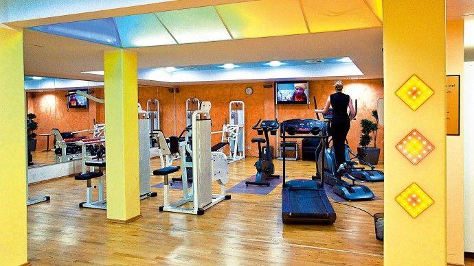Wellness- und Sporthotel St. Georg - Germania.  Noleggio biciclette da turismo, bici elettriche e mountain-bike. Percorsi jogging, sci alpino e di fondo, slittino, pattinaggio, ciclismo, trekking, equitazione, pattinaggio con pattini in linea, parco avventura, vela sul lago Chiemsee. #sport #fitness #benessere #attività https://www.spadreams.it/offerte/germania/prealpi/bad-aibling/wellness-und-sporthotel-st-georg/?t=7&dmin=3