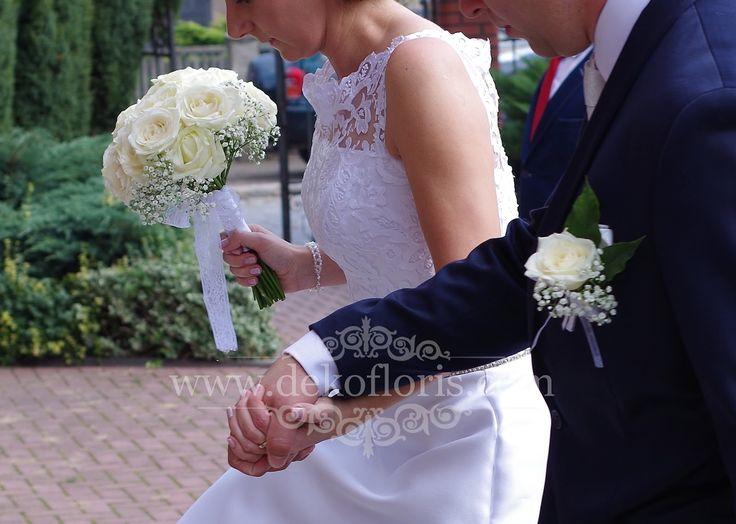 Bukiet ślubny białe róże i gipsówka opolskie