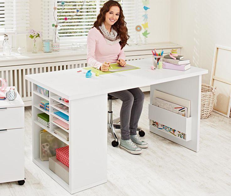 169,00 € | Schreib- und Arbeitstisch mit viel Stauraum  Dieser Schreibtisch zeichnet sich durch sein großes Platzangebot aus.
