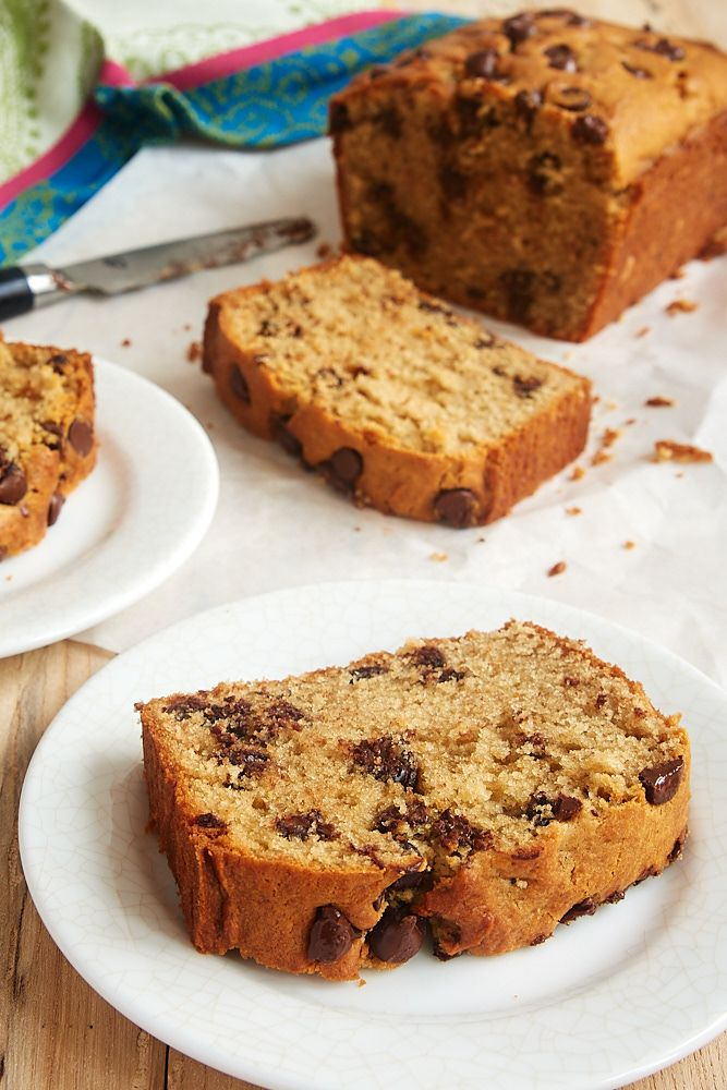Lightly sweet and full of dark chocolate chips, this Chocolate Chip Peanut Butter Bread is a great anytime snack! - Bake or Break ~ http://www.bakeorbreak.com