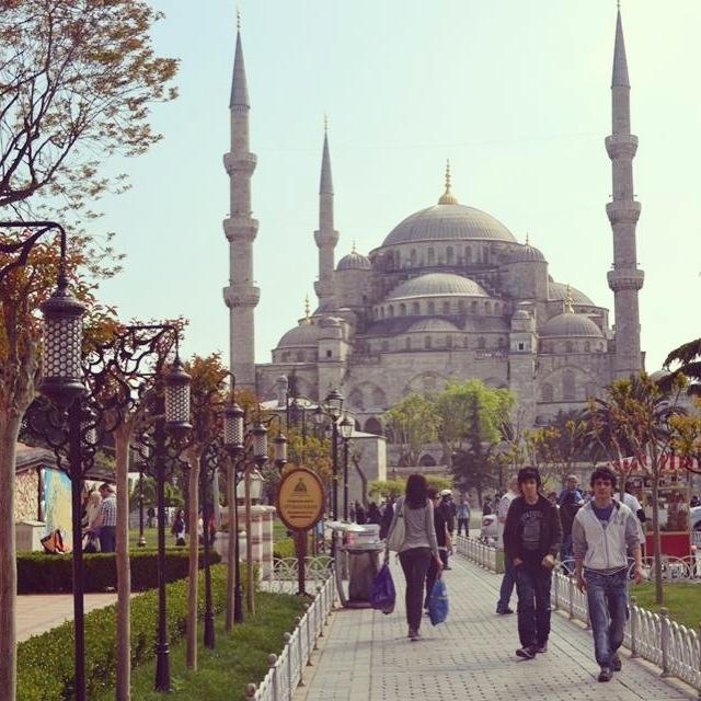 • İstanbul   Sultan Ahmet Camii •