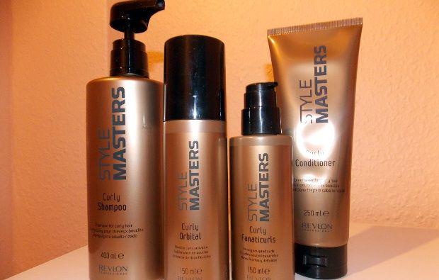 Auf der Suche nach der perfekten Pflegeserie für dicke und gewellte Haare? Unser Tipp: die Curly Produkte von Revlon Style Masters: http://www.haarblog.de/produkttest-revlon-style-masters-curly/ #haarprodukte #revlon #shampoo #haarpflege