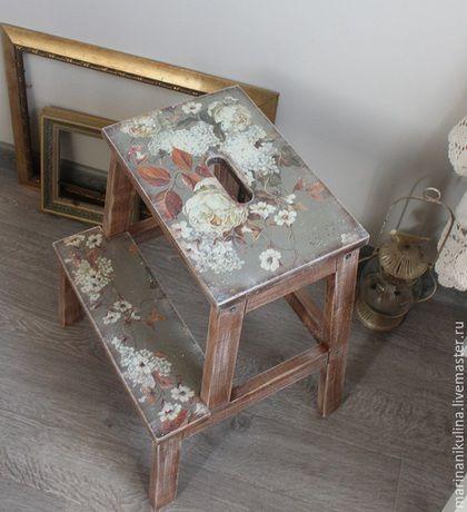 """Мебель ручной работы. Заказать """"Пахло жасмином в старой гостиной ..."""". Никулина Марина. Ярмарка Мастеров. Табурет, дом"""