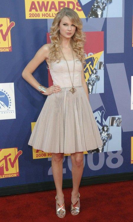 Tater Swooft   Taylor swift dress, Taylor swift fearless ...