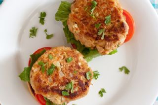 The Protein Chef's Bacon Tuna Melt Patty - I would sub chicken for the tuna