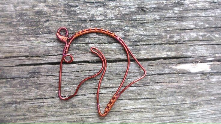 Horse, wire. Dratovaný kůň
