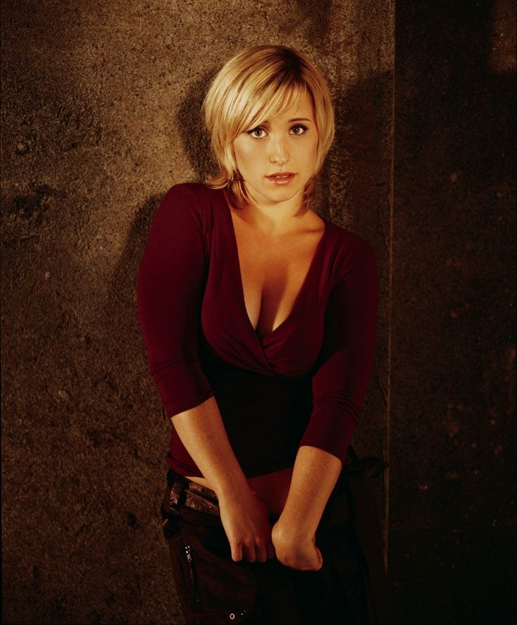 Allison Mack | More like this: allison mack , smallville and the women .