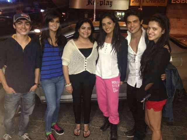kunwar amar with charlie and friends