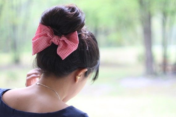 Pinning a bow onto the back makes for a darling surprise with a traditional ballerina bun.: Idea, Fashion, Style, Makeup, Hair Bows, Beauty