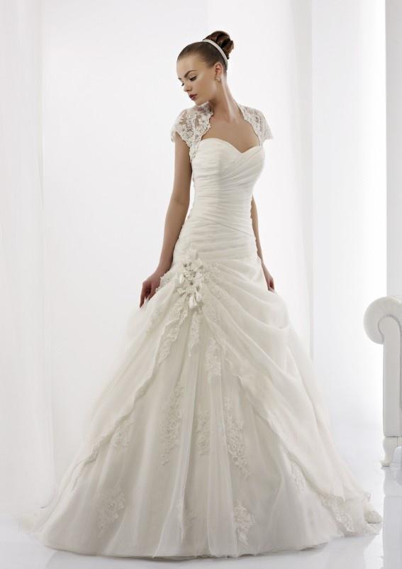 Collezione abiti da sposa #Jolies, abito da #sposa modello JOAB13425IV