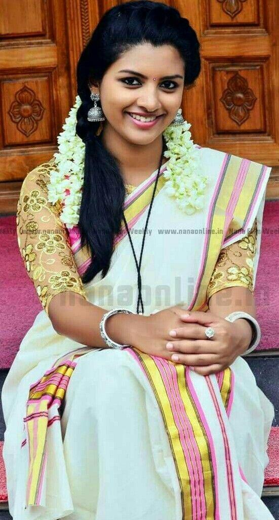 Kasavu Saree Kerala Beautiful Indian Sweets S Flower Wedding Ideas Weddings