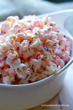 Princess Popcorn: Popcorn liberally seasoned with pink (white) chocolate and sprinkles for a tasty, and fun treat perfect for a princess party. /search/?q=%23ad&rs=hashtag - Eazy Peazy Mealz