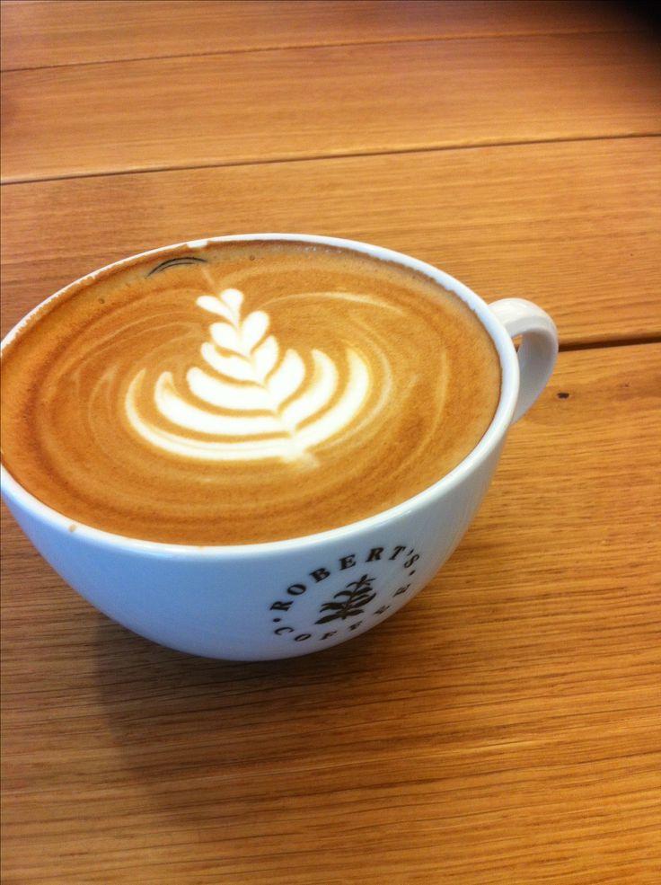 Tiesitkö, että TaloTaloon avautui Robert's Coffee! Tervetuloa kahvittelemaan! #pannukahvi #leivonnainen #talotalo #kahvitauko #kaakao #robertscoffee #tee @robertscoffee