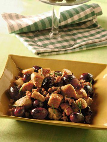 Bocconcini di pollo con uva e rosmarino