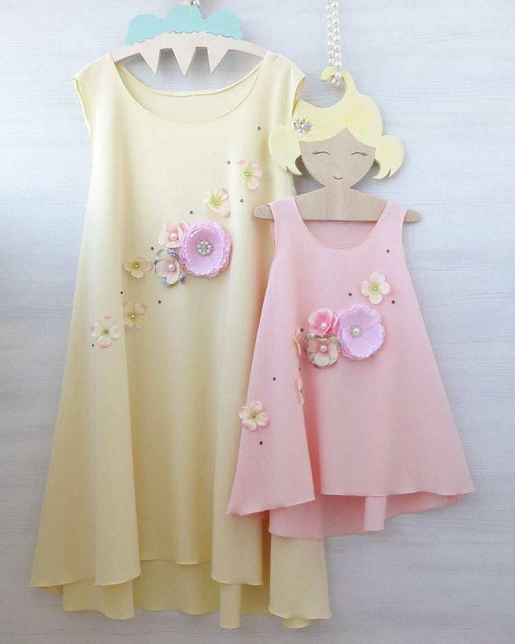 85 отметок «Нравится», 6 комментариев — ПЛАТЬЯ FAMILYLOOK (@platya_s_kartinki) в Instagram: «Милый комплект платьев с цветами. Одинаковые, но в разном цвете) Стоимость комплекта 5700₽…»