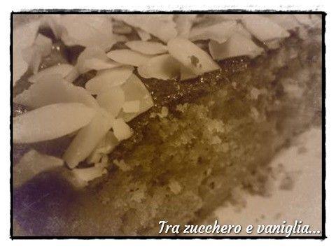 http://blog.cookaround.com/trazuccheroevaniglia/torta-rustica-di-mele-e-mandorle/