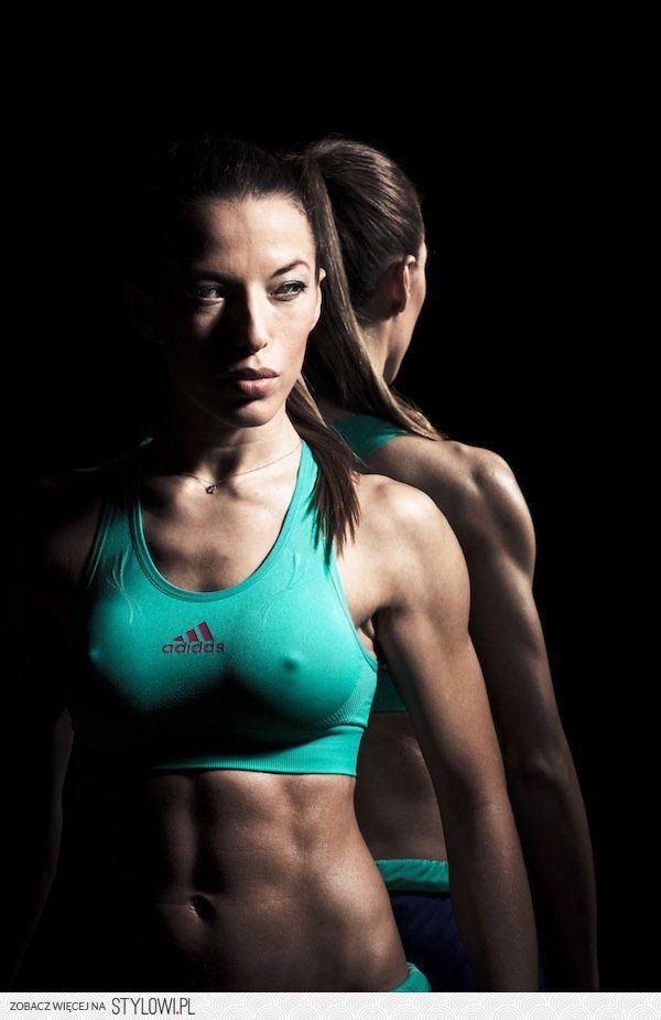 stylowi_pl_sport-i-fitness_ewa-chodakowska-trenerka-wszystkich-polek-wiadomos_5569070.jpg (600×925)