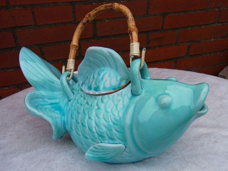 Teekanne Tee Ostasiatica Japan Fisch Koi Karpfen Keramik Majolika Porzellan