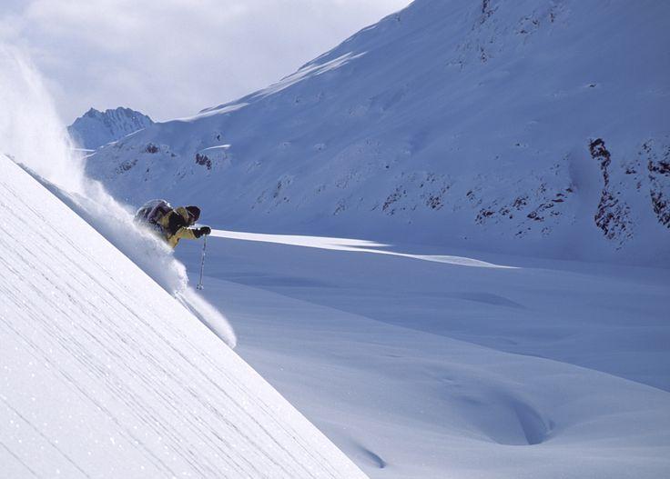 Offrez-vous le privilège de faire les premières traces sur des sommets immaculés - Héliski au Canada by FERT Pure Snow