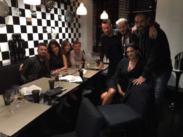 Ou un diner avec les amis, Matt Pokora, les Pirès et Mathieu Debuchy... en attendant la fête d'anniversaire !