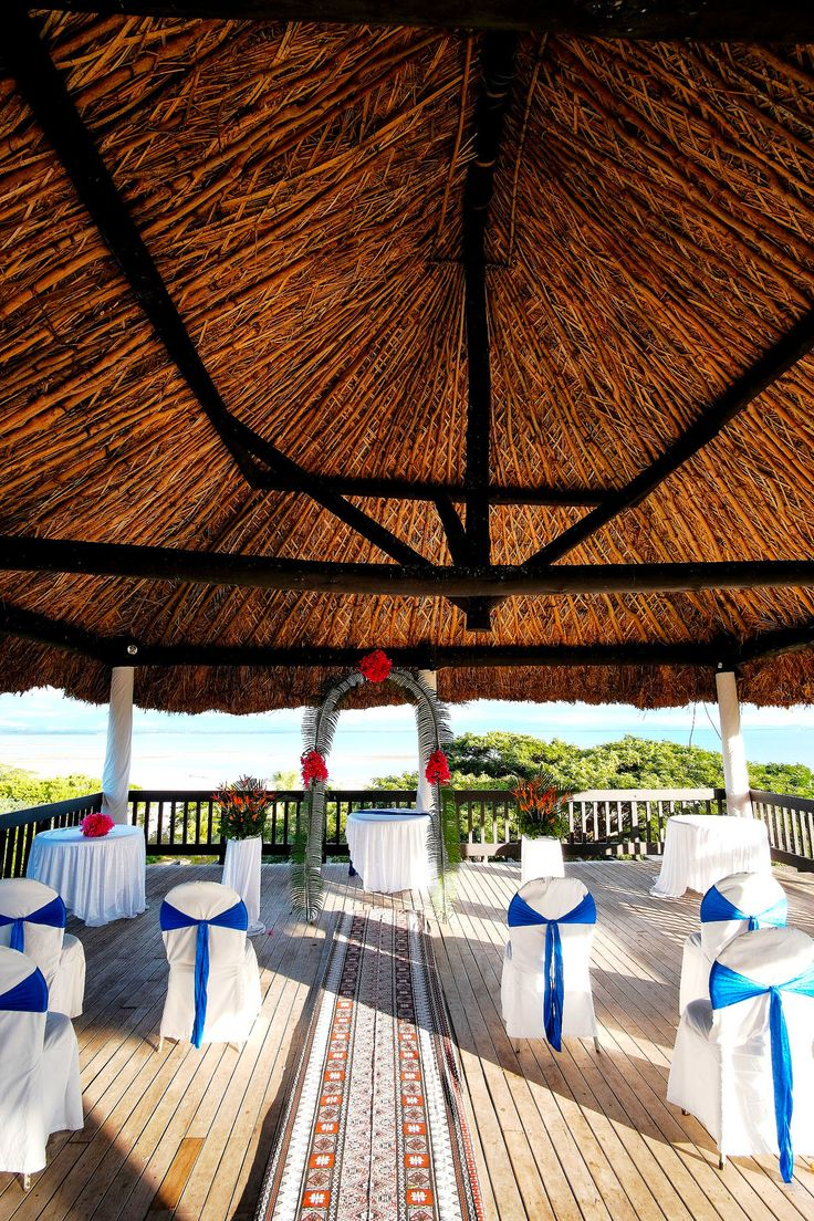 This tropical view is definitely the perfect backdrop for your wedding ceremony! Agree! #weddings #anchoragefiji #gettingmarriedinfiji http://www.anchoragefiji.com/wedding-venues/