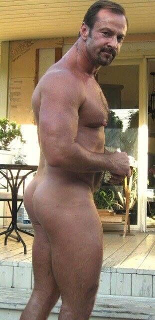 from Braylen meet hot sexy mature irish gays