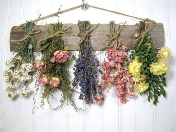 Panier de fleurs séchées, séché composition florale, décoration murale, fleurs séchées, Country, un décor rustique et primitif