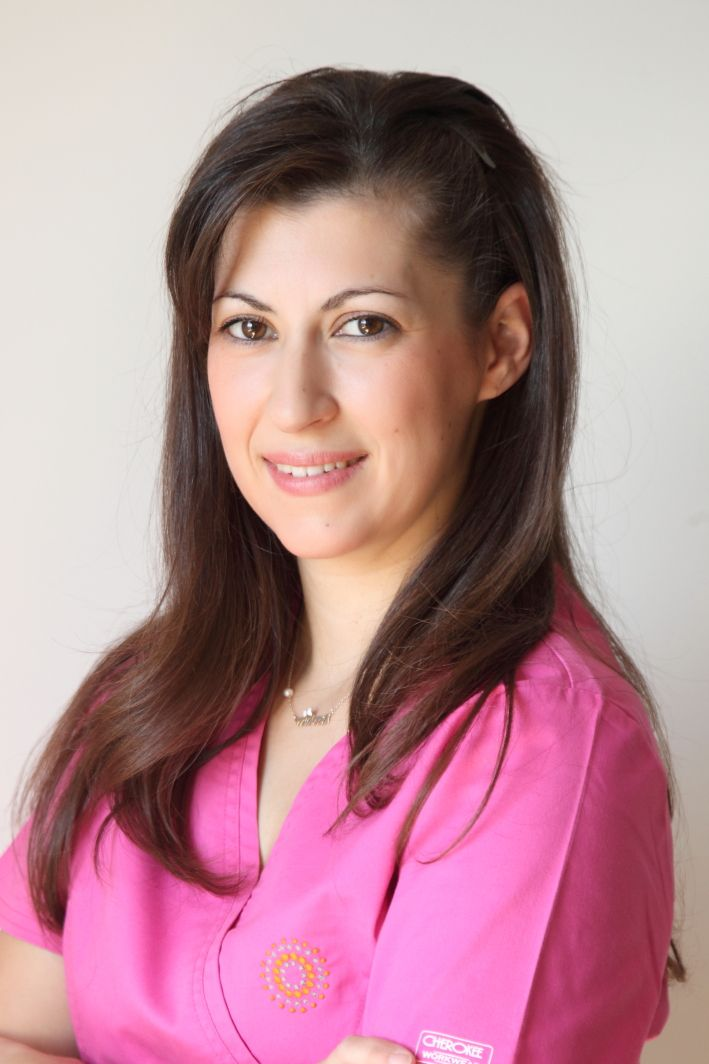 Εύη | μαία τοκετών Evi | midwife http://gennima.com/el/gennima/people/nurses #gennima #ivf