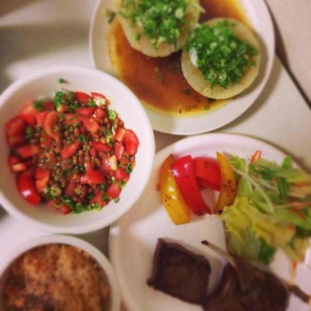 トマト炊き込みご飯は粉チーズとブラックペッパー♡ - 5件のもぐもぐ - おうちごはん♡牛とラムのグリル,トマトの炊き込みご飯,トマト納豆,玉ねぎステーキ by vivi9174