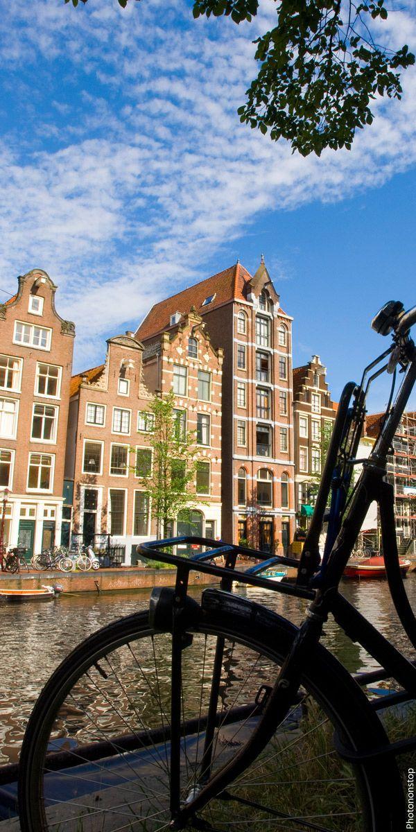 A vélo ou à pieds, découvrez toutes les balades romantiques à faire à Amsterdam le temps d'un week-end.