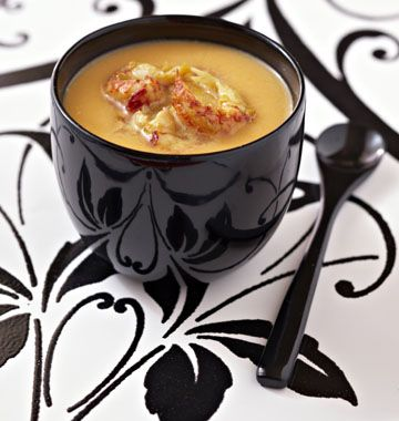 Velouté de potiron au lait de coco et langoustines rôties - Recettes de cuisine Ôdélices